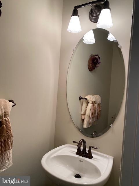 First Floor Half Bath - 44362 MALTESE FALCON SQ, ASHBURN