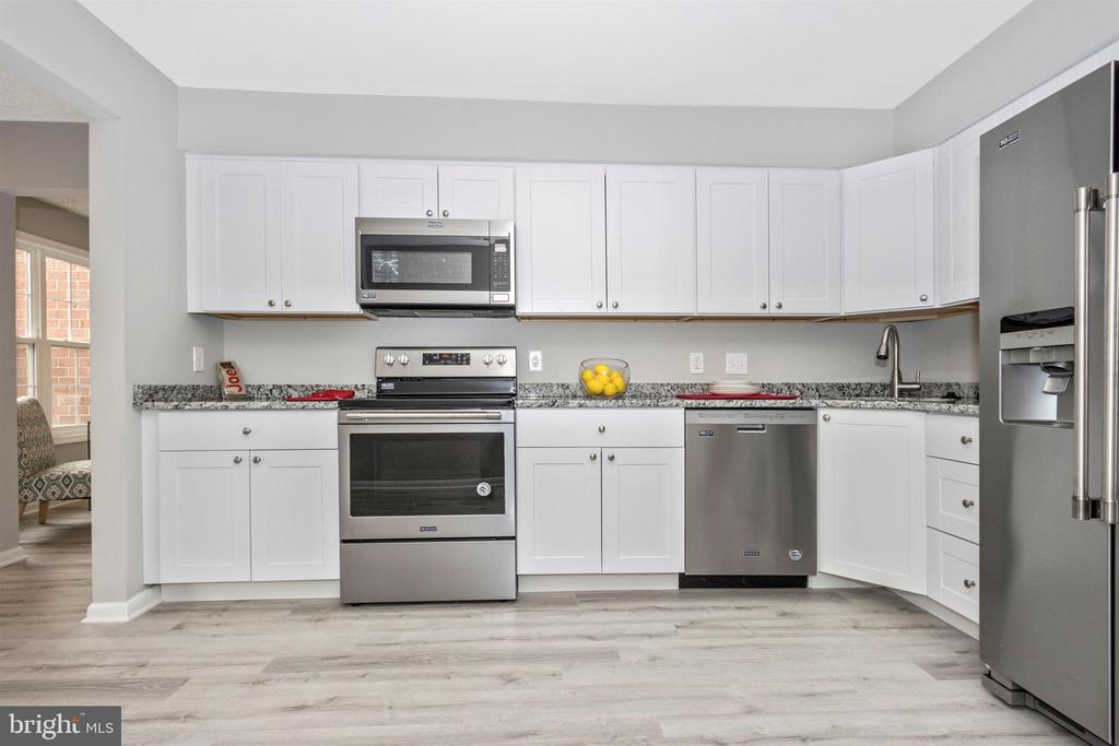 Kitchen - 6929 CLEARWIND CT #B, BALTIMORE