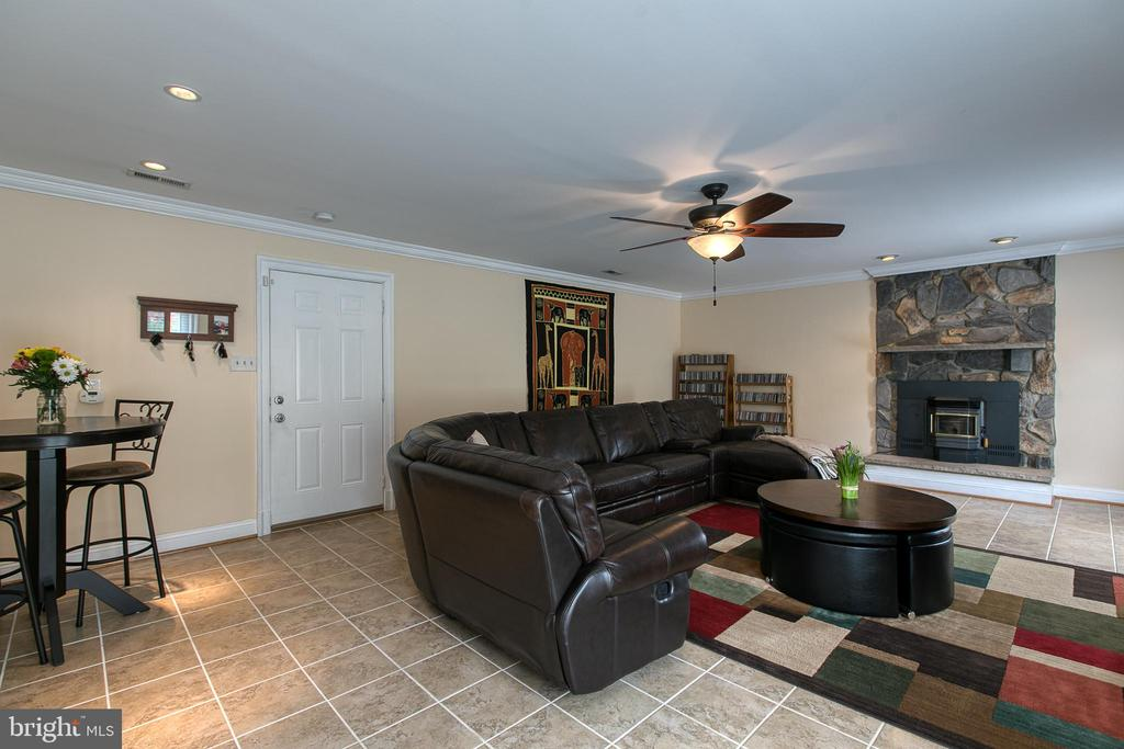 Family Room with Pellet Stove - 5 EMERSON CT, STAFFORD