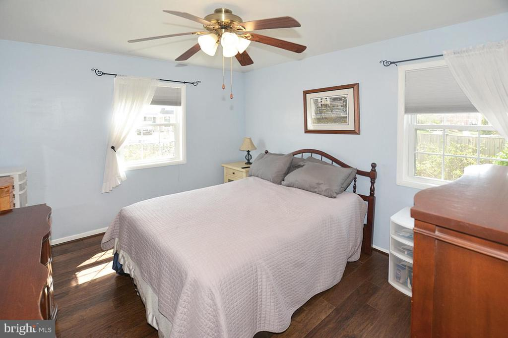 Master bedroom freshly painted in lofty shade. - 314 MANASSAS DR, MANASSAS PARK