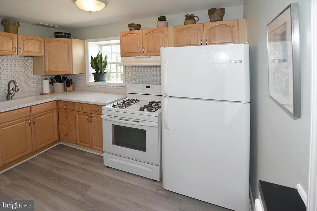 Kitchen is a chefs delight - 314 MANASSAS DR, MANASSAS PARK