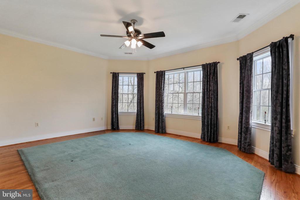 Bedroom 4 with huge windows and lots of light - 2375 BALLENGER CREEK PIKE, ADAMSTOWN