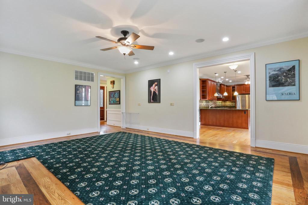 Spacious living room with inwall speakers. - 2375 BALLENGER CREEK PIKE, ADAMSTOWN