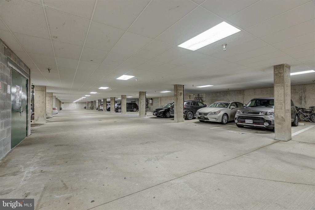 Garage Parking - 1645 INTERNATIONAL DR #407, MCLEAN