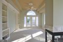 Master Sitting Room w/ built-ins & w/o to Porch - 18441 LANIER ISLAND SQ, LEESBURG