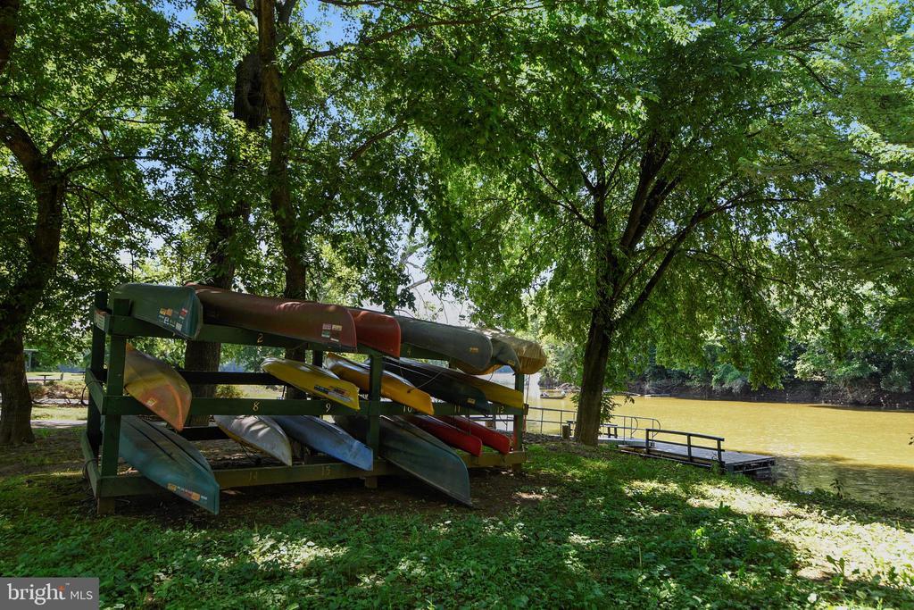 River Creek's Confluence Park - 18441 LANIER ISLAND SQ, LEESBURG