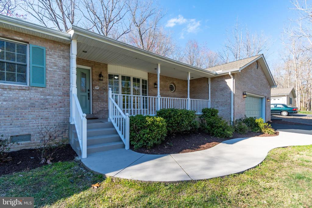 Fabulous Front Porch with Waterviews!!! - 401 CORNWALLIS AVE, LOCUST GROVE