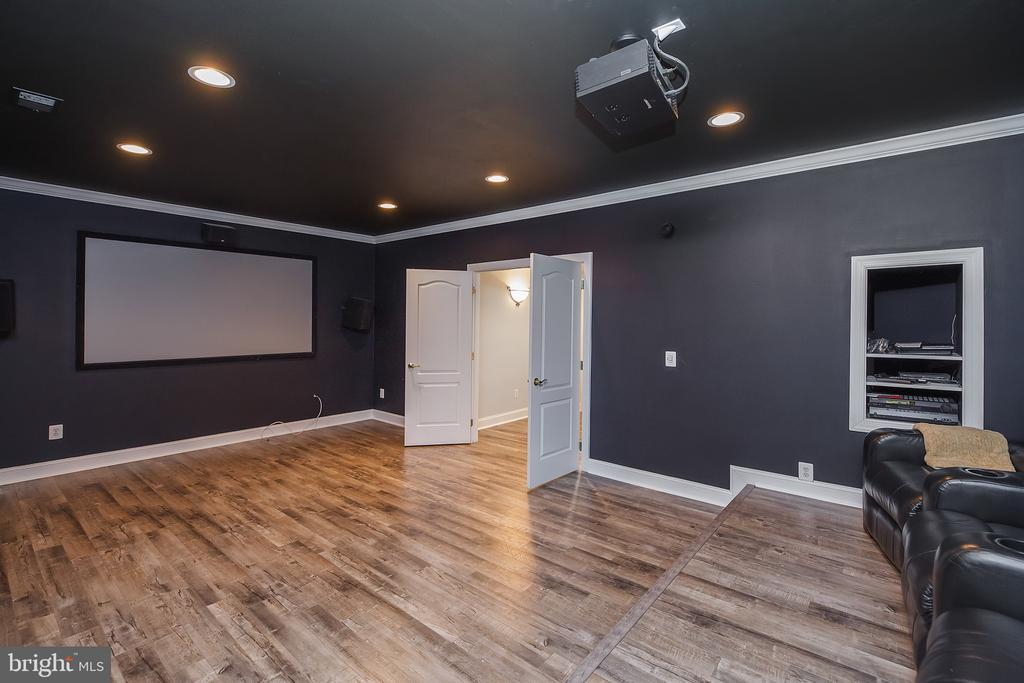 Lower Level Media Room - 18754 KIPHEART DR, LEESBURG