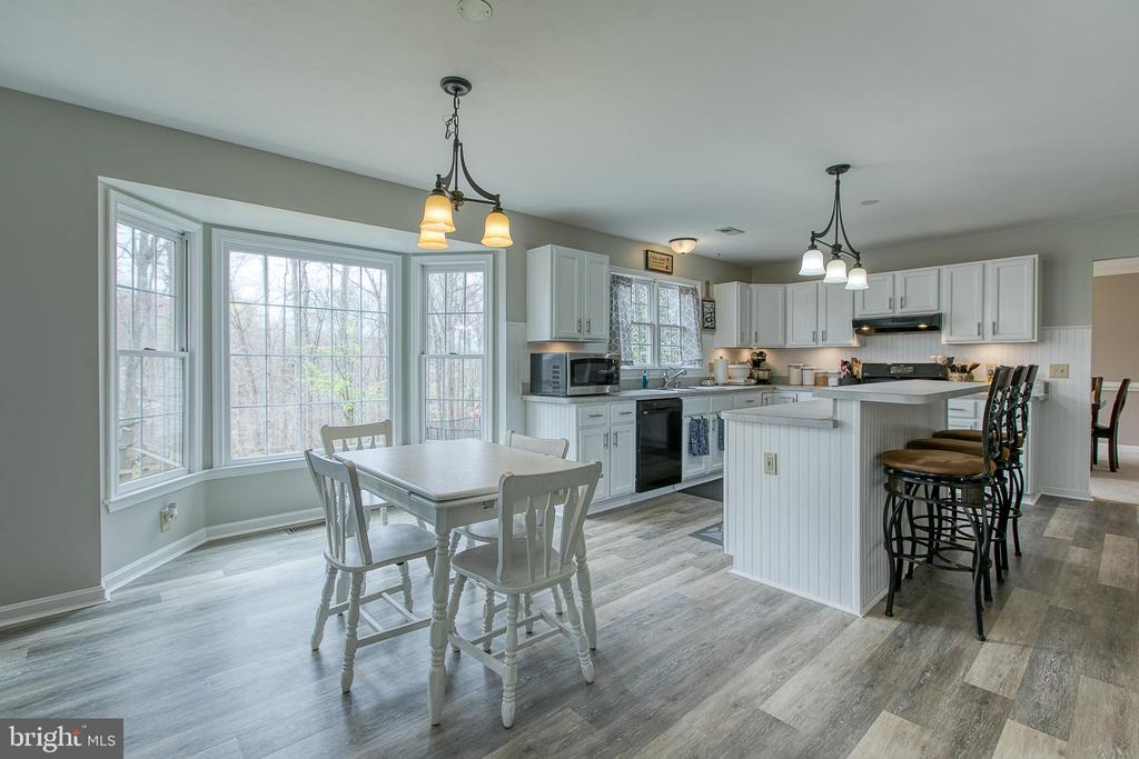 Eat in area off kitchen with bay windows! - 58 BALDWIN DR, FREDERICKSBURG