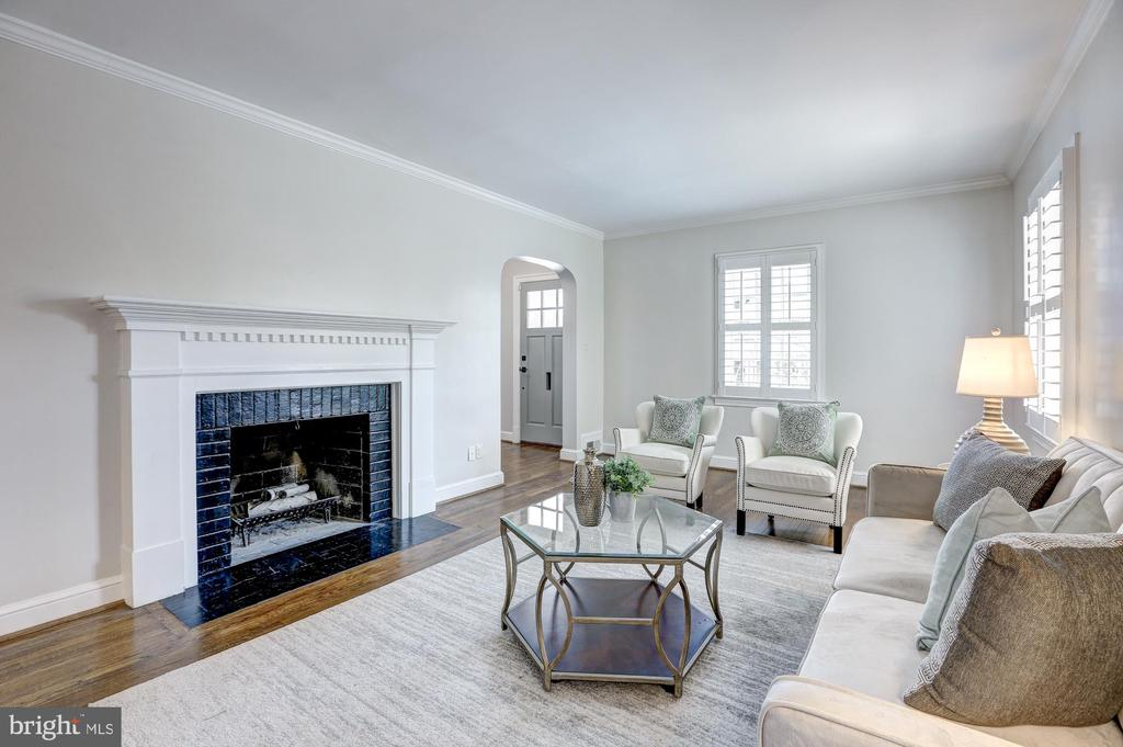 Living Room, Wood burning fireplace, 1 of 2 - 2366 N OAKLAND ST, ARLINGTON
