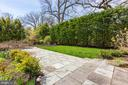 ultra-private, sounds like an Aviary! - 2366 N OAKLAND ST, ARLINGTON