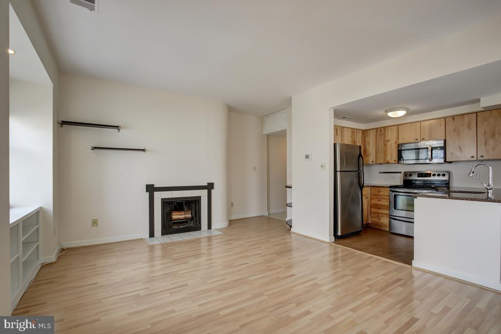 Living area with Fireplace - 2114 N ST NW #21, WASHINGTON
