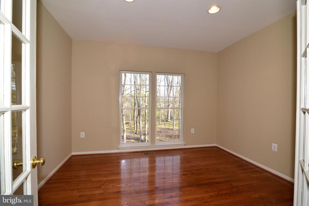 Main level office with French doors - 1439 HARLE PL SW, LEESBURG