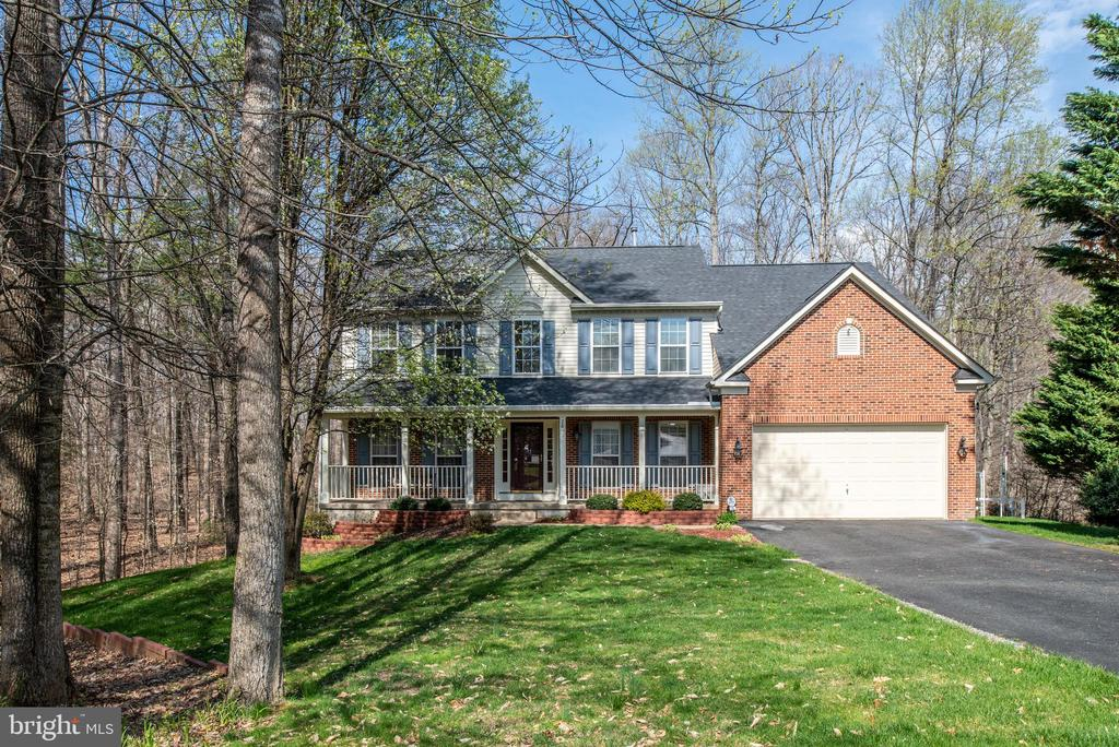 2 car garage and covered porch - 28 FIREBERRY BLVD, STAFFORD