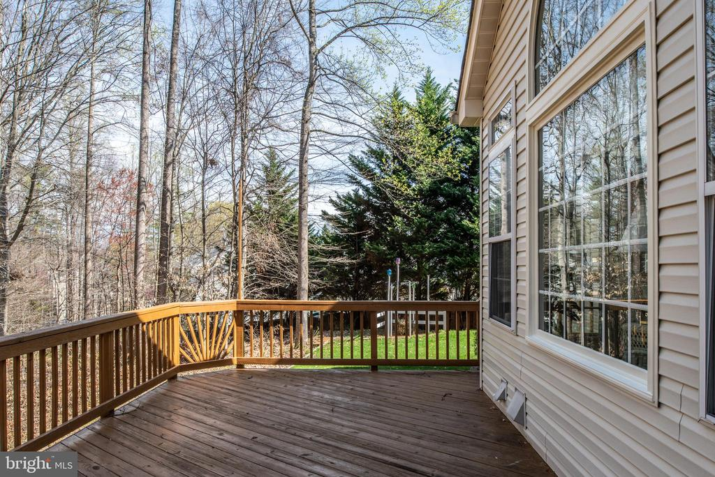 Decking off the main level - 28 FIREBERRY BLVD, STAFFORD