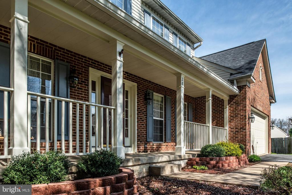 Rocking chairs your new porch awaits - 28 FIREBERRY BLVD, STAFFORD