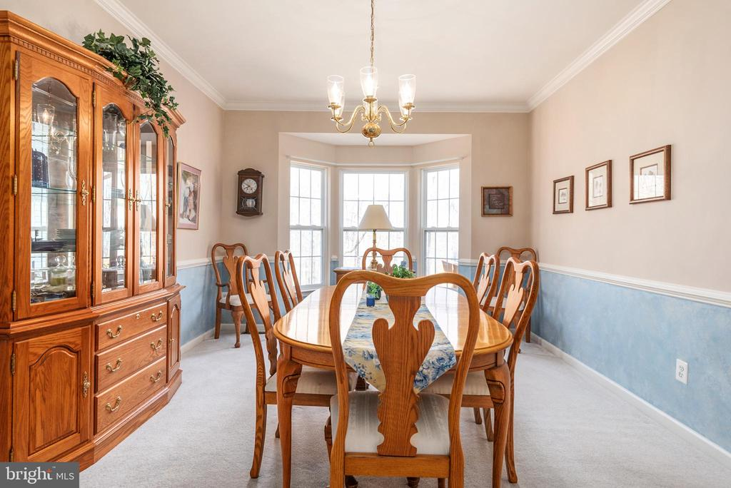 Formal dining room with bay vinyl windows - 28 FIREBERRY BLVD, STAFFORD