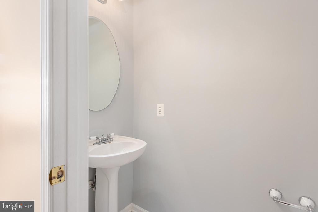 Main floor half bath freshly painted - 28 FIREBERRY BLVD, STAFFORD