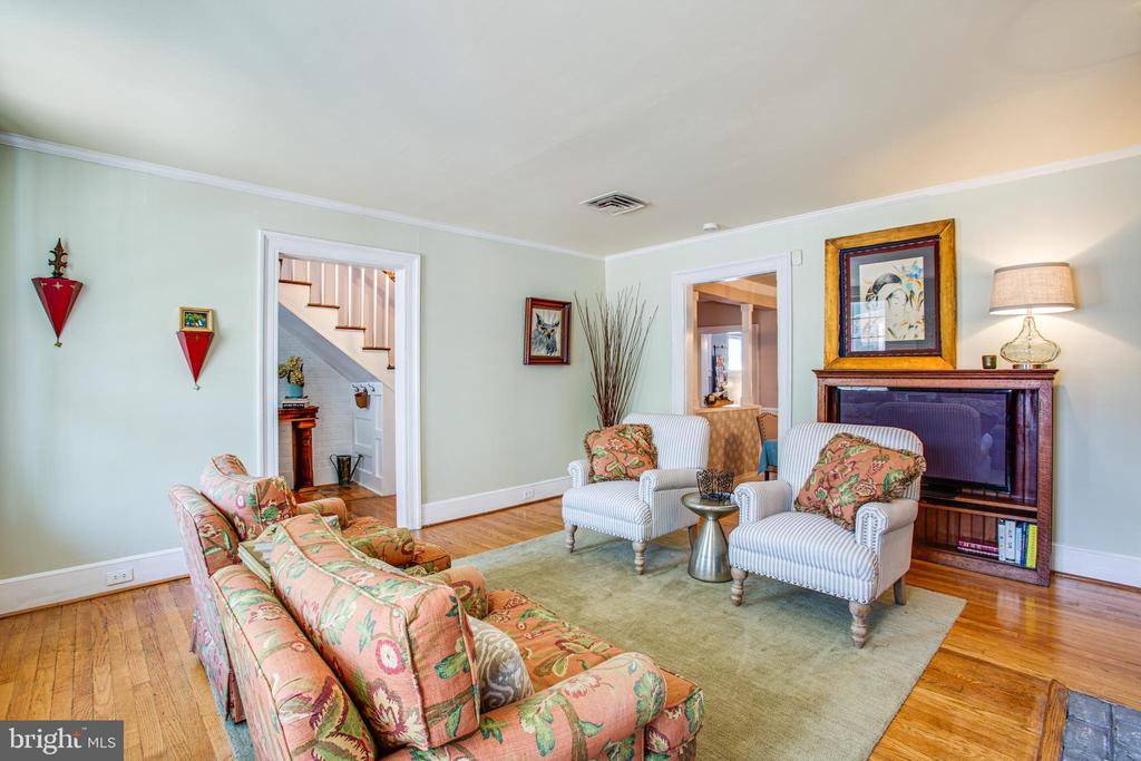 16x14 Living Room - 1104 PRINCE EDWARD ST, FREDERICKSBURG