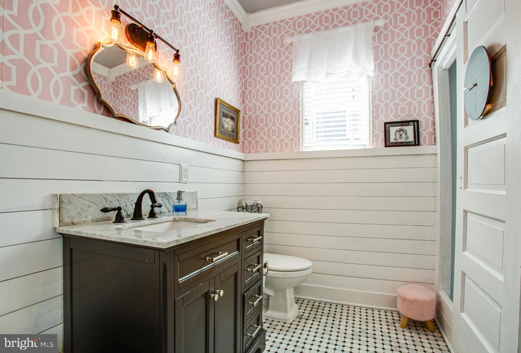 Full bath on main level - 1104 PRINCE EDWARD ST, FREDERICKSBURG