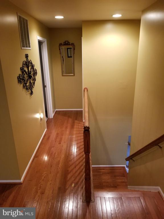 Hall to Bedrooms - 21 SLATE DR, FREDERICKSBURG