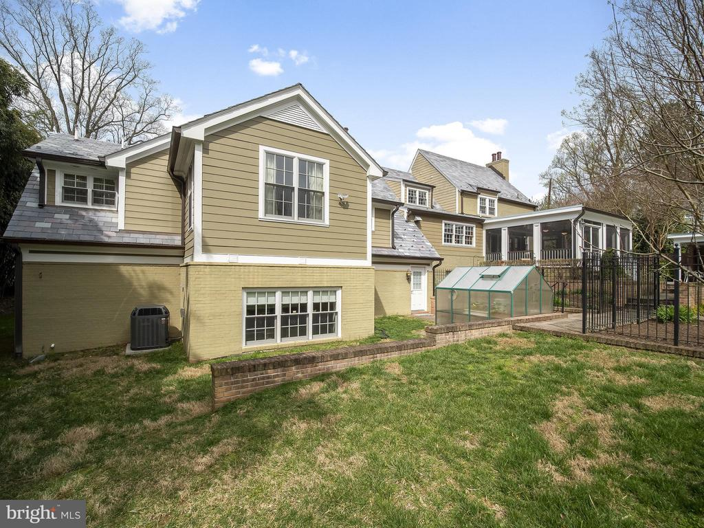 Stone & Brick exterior, synthetic slate roof - 915 MCCENEY AVE, SILVER SPRING