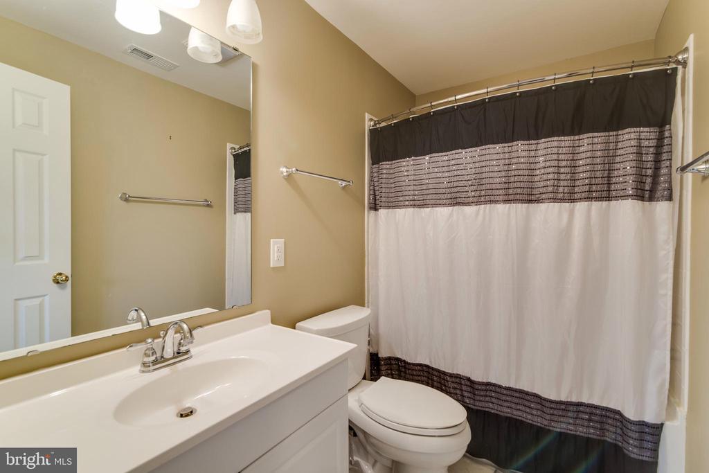 3rd Full Bath in Basement - 3551 ESKEW CT, WOODBRIDGE
