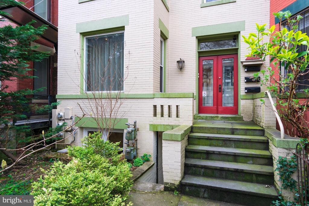 Front Entrance - 1330 IRVING ST NW, WASHINGTON