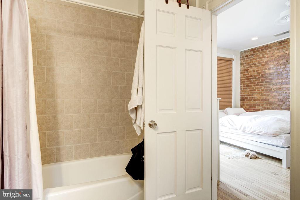 Apt 2 - Bathroom 2 - 1330 IRVING ST NW, WASHINGTON