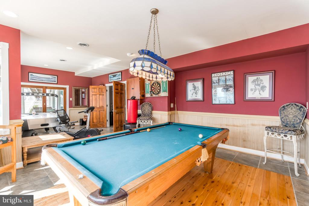 Bring Your Pool Table! - 37 LOUIE LN, STAFFORD