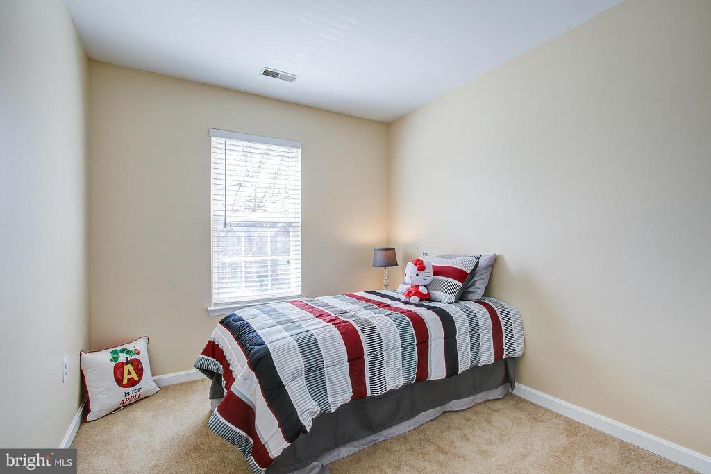 Second Bedroom - 20353 MILL POND TER, GERMANTOWN
