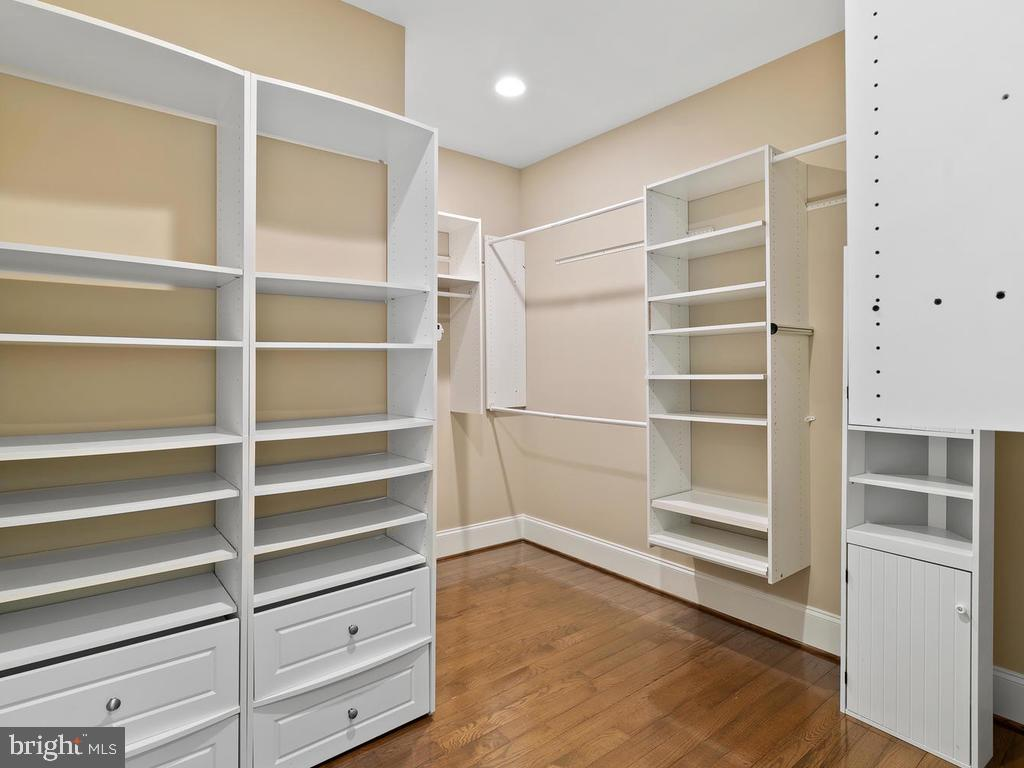 BUILT-IN CABINET (3RD  BEDROOM) - 10801 WINDCLOUD CT, OAKTON
