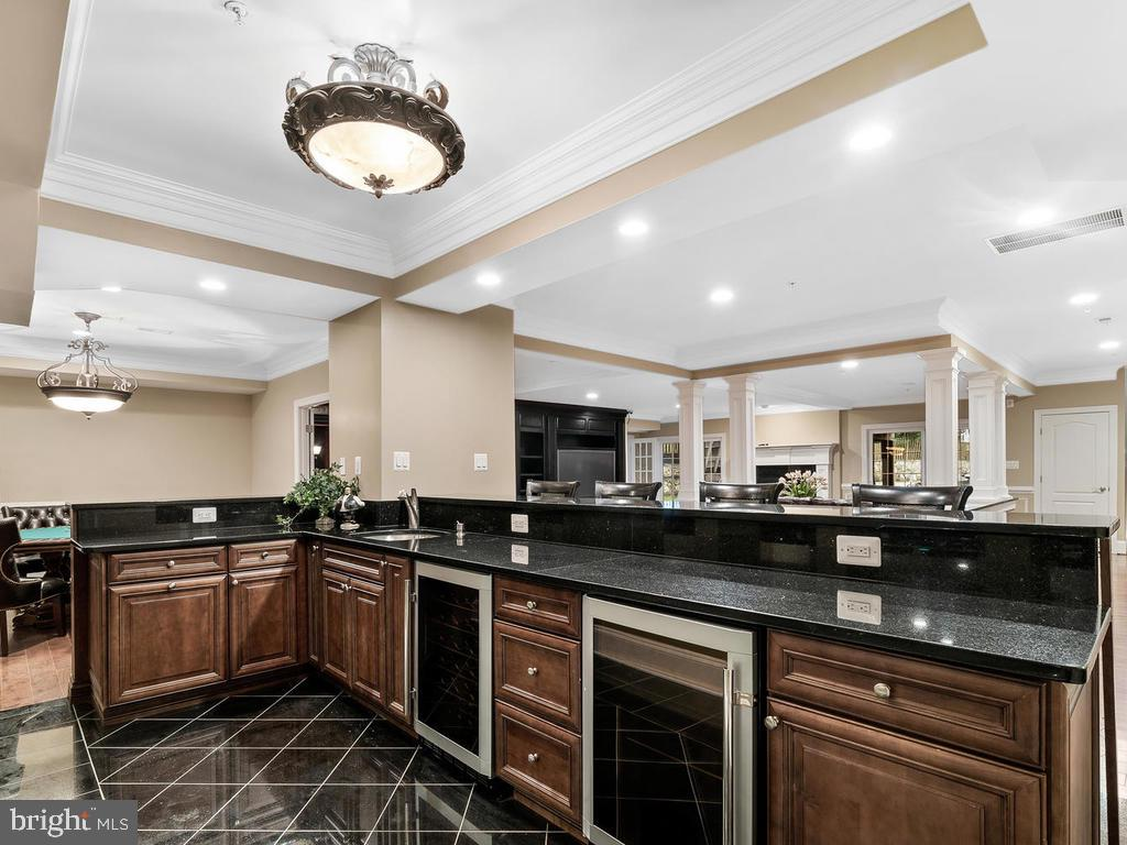 BASEMENT WET BAR - 10801 WINDCLOUD CT, OAKTON