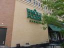Convenient Grocery Shopping - 1300 ARMY NAVY DR #1012, ARLINGTON