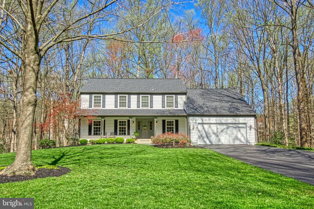 Beautiful Colonial on quiet Cul-de-Sac - 7308 S VIEW CT, FAIRFAX STATION
