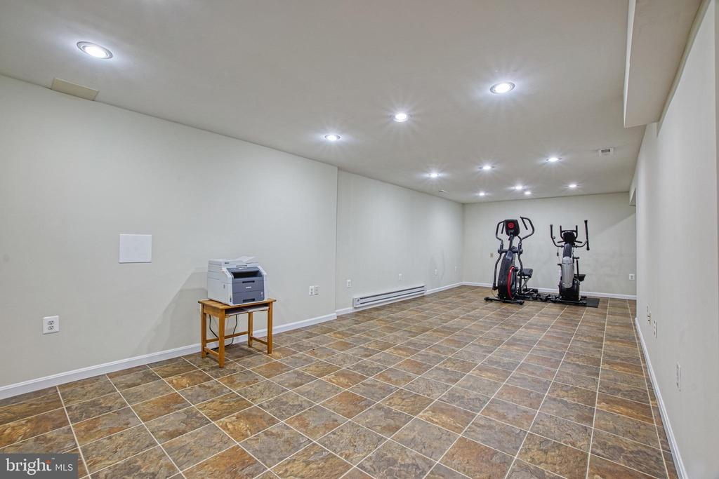 Basement Recreation Room with Recessed Lighting - 7308 S VIEW CT, FAIRFAX STATION
