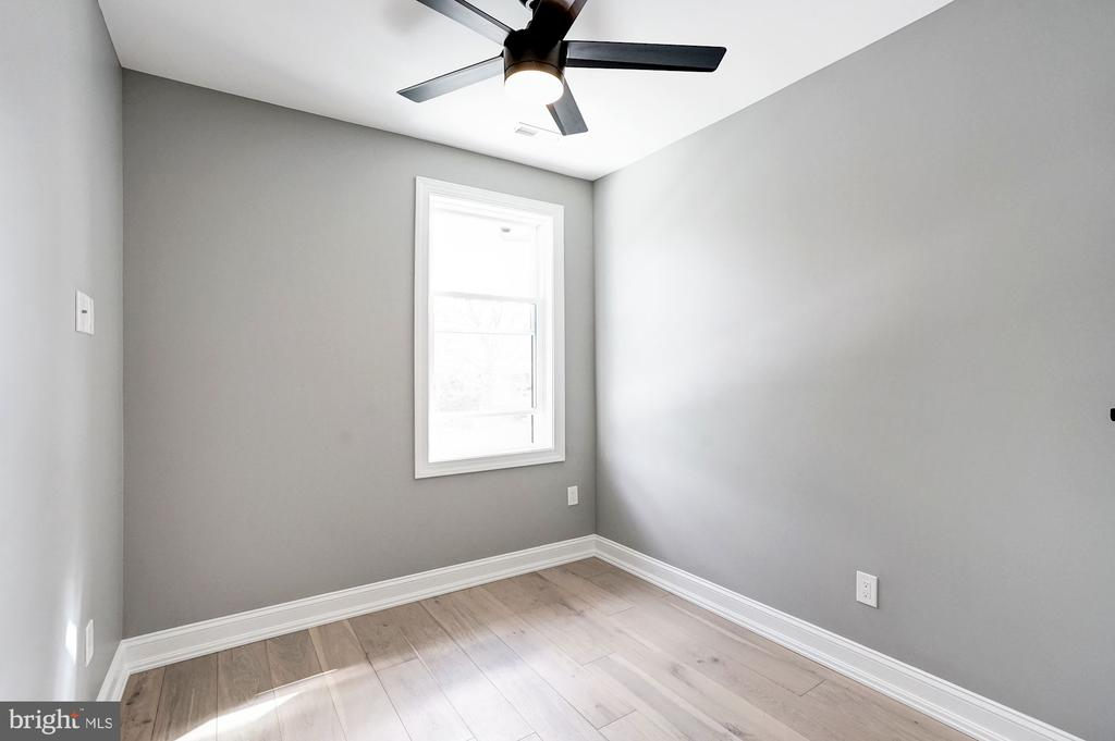 Third Bedroom - 207 VARNUM ST NW, WASHINGTON