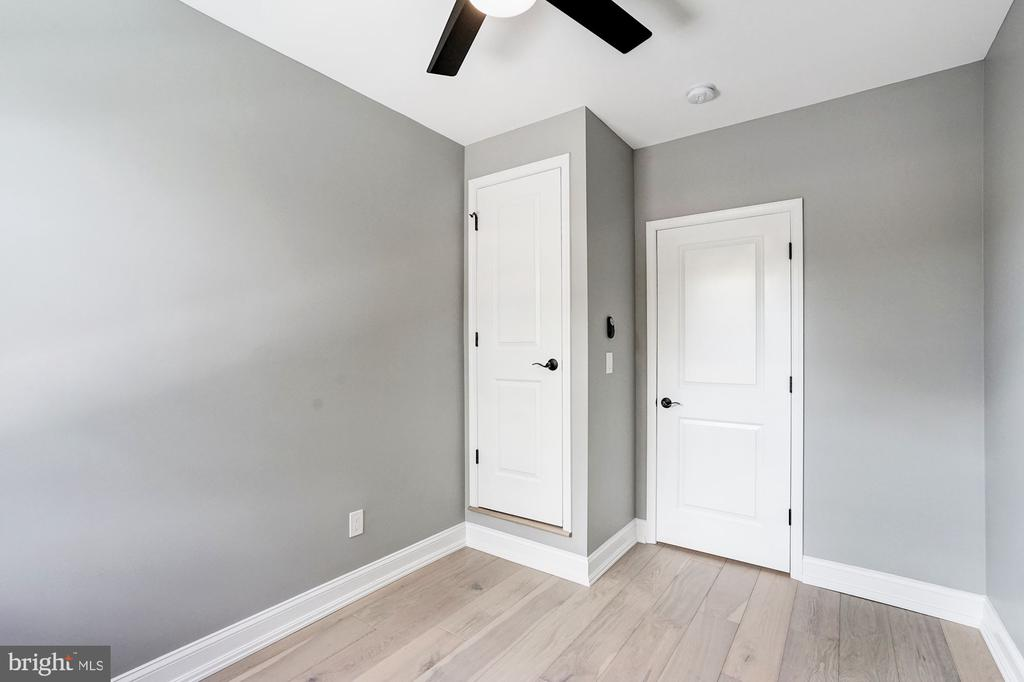 Third Bedroom with Ceiling Fan - 207 VARNUM ST NW, WASHINGTON