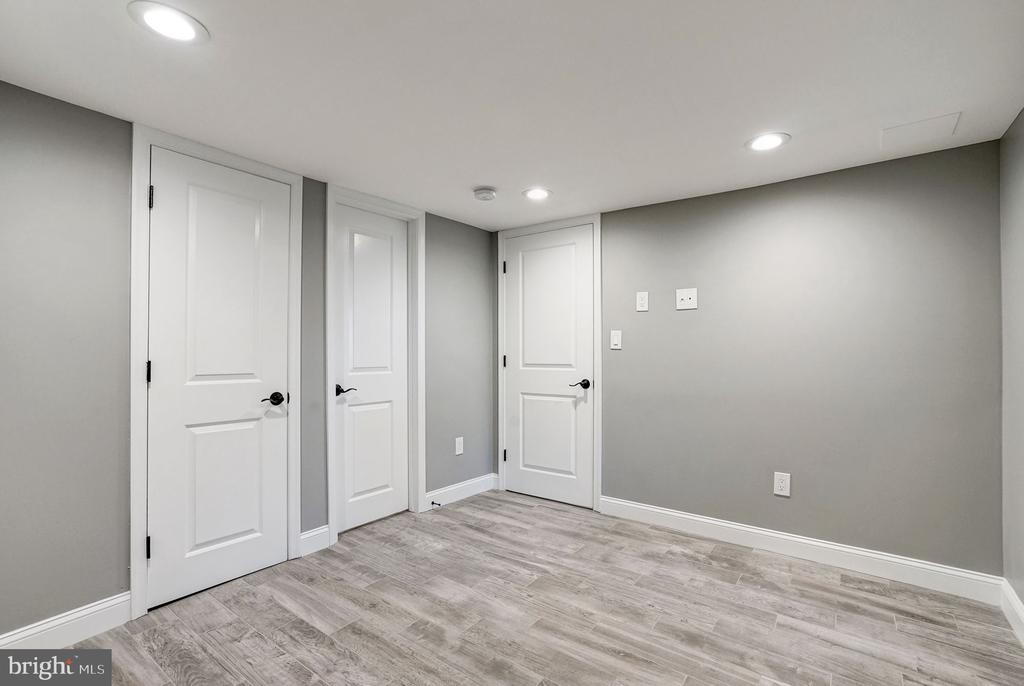 Fourth Bedroom with Recessed Lighting - 207 VARNUM ST NW, WASHINGTON