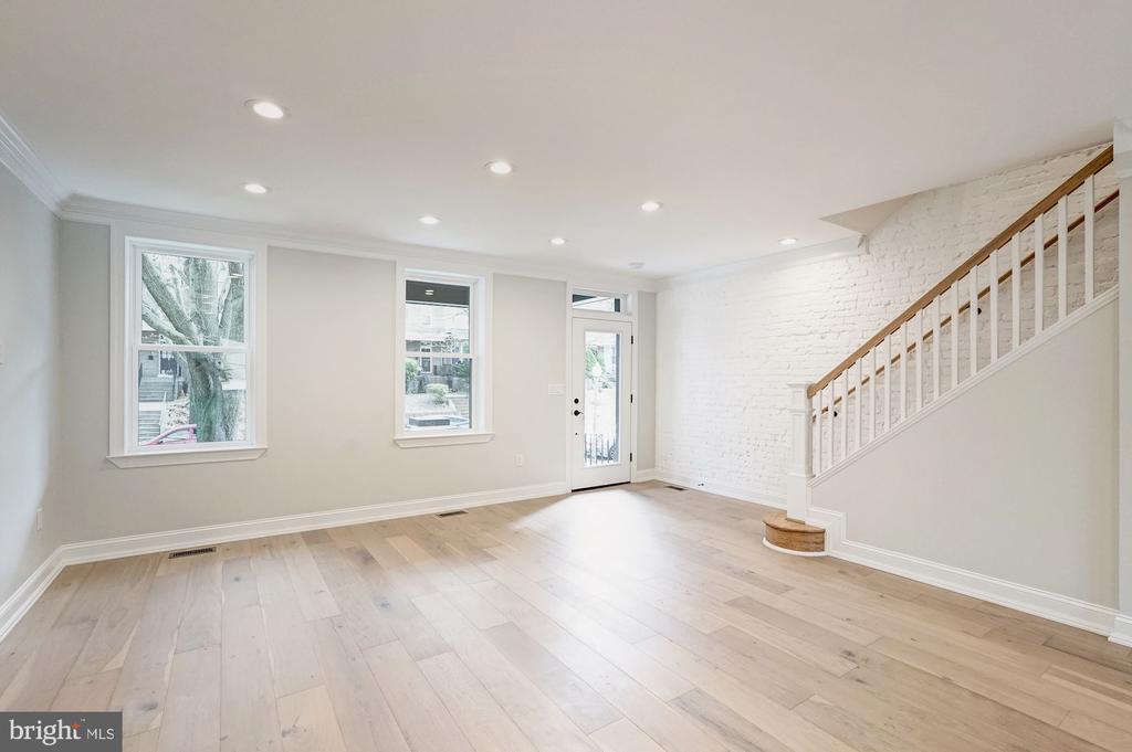 Recessed Lighting in Living Room - 207 VARNUM ST NW, WASHINGTON