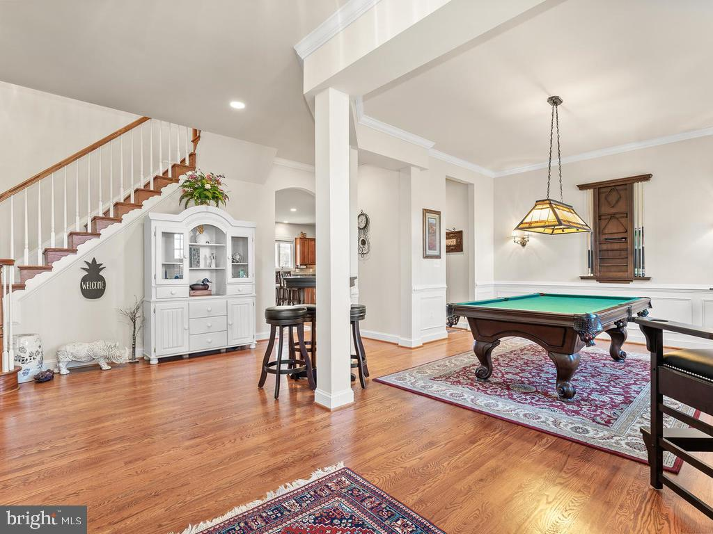 Or parlor for billiards - 38511 DITCHLING PL, HAMILTON