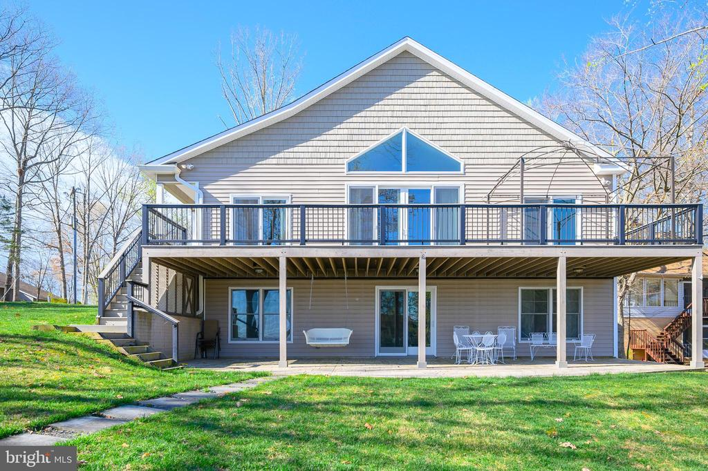 Relax...you're at the lake! - 123 MT VERNON CT, LOCUST GROVE