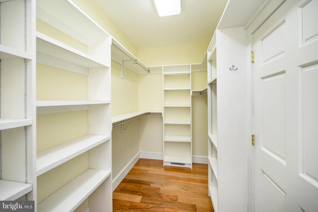Master bedroom walk in closet - 123 MT VERNON CT, LOCUST GROVE