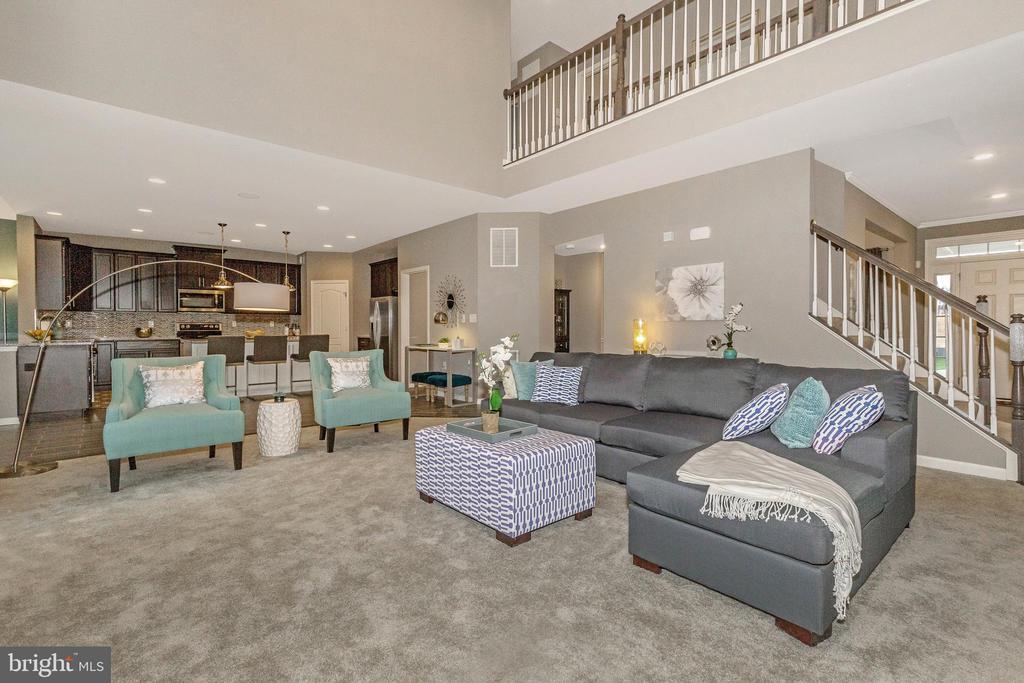 2-Story Family Room - 307 NICHOLAS HALL ST, NEW MARKET