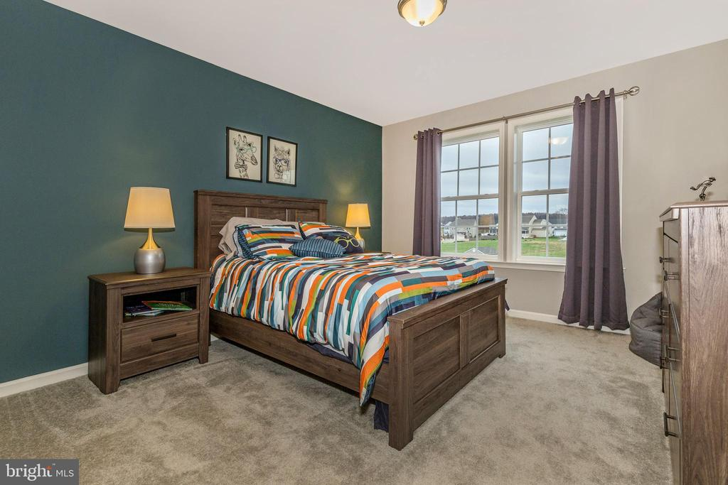 Secondary Bedroom 4 with Walk-In Closet - 307 NICHOLAS HALL ST, NEW MARKET