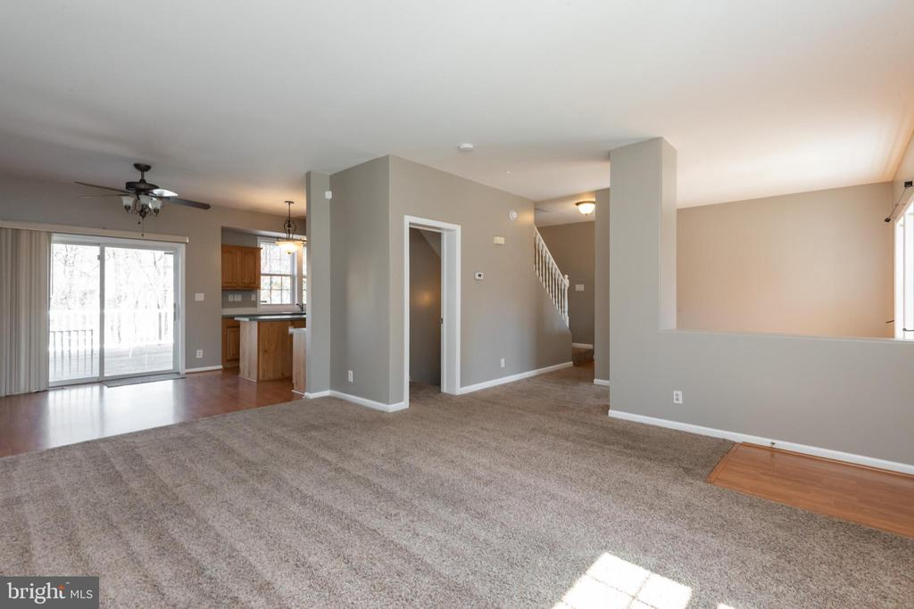 Spacious Main Level - 7504 COVE POINT WAY, ELKRIDGE
