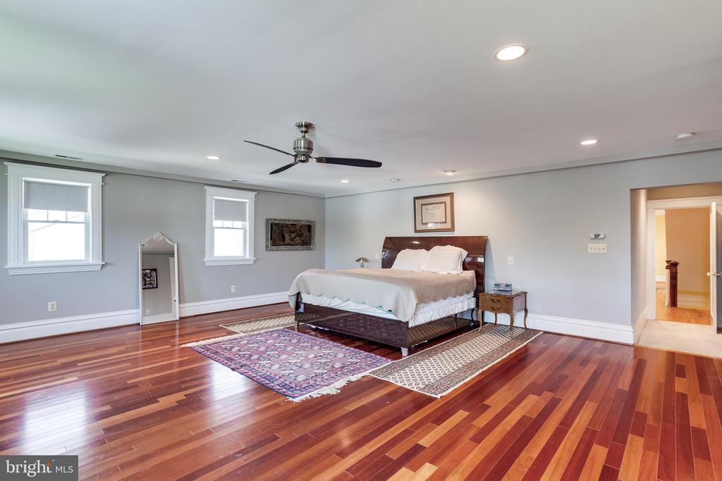 Master Bedroom - 4311 BRADLEY LN, CHEVY CHASE