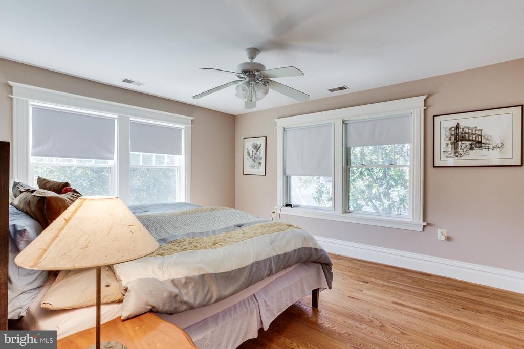 Bedroom 2 - 4311 BRADLEY LN, CHEVY CHASE