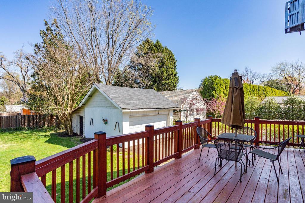 Rear Deck and Yard - 4311 BRADLEY LN, CHEVY CHASE
