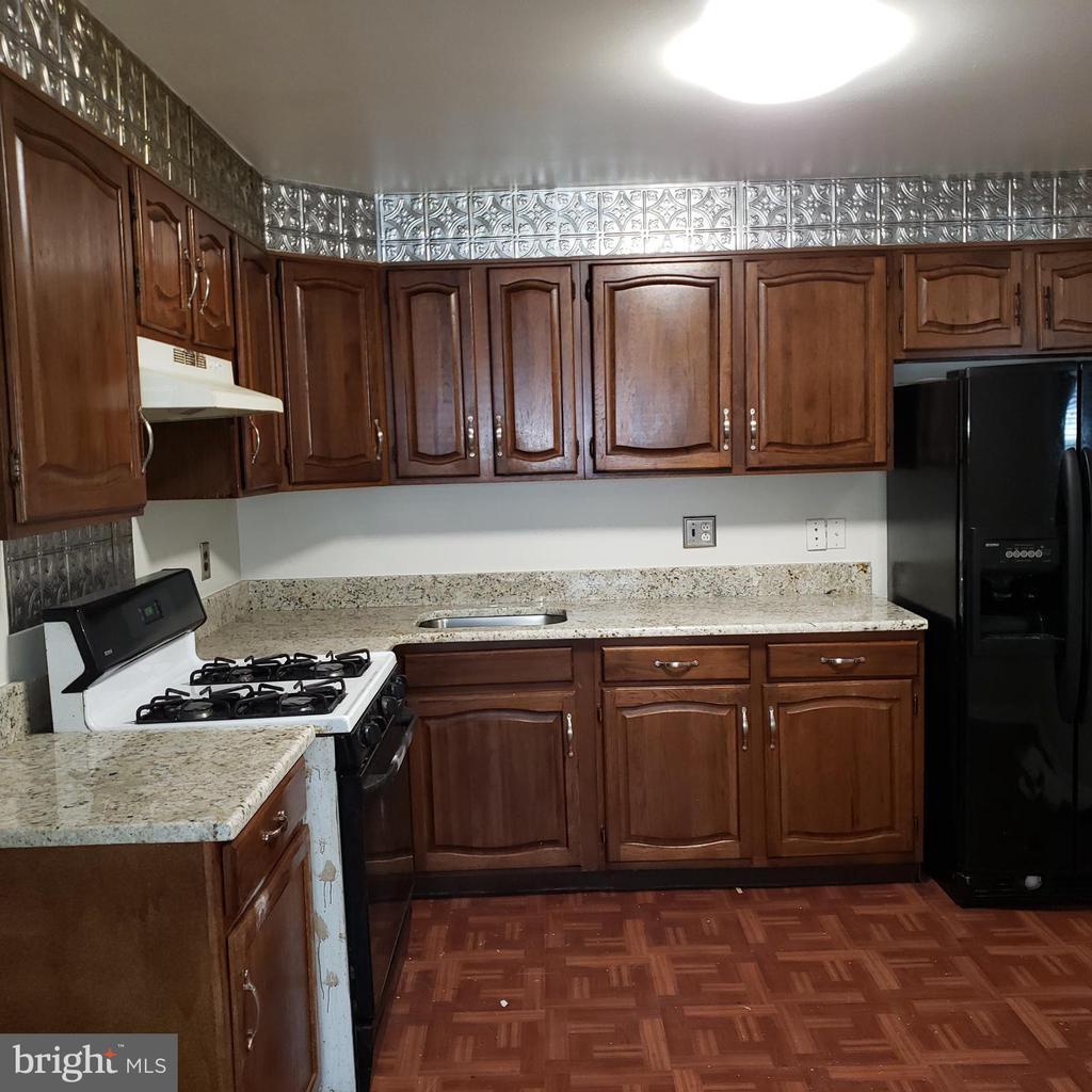 New Floors, New Granite Counter Tops - 6100 ELMENDORF DR, SUITLAND